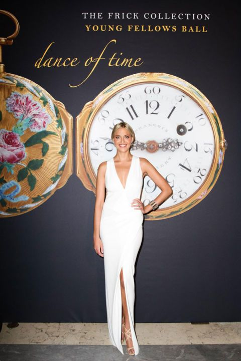 Human, Fashion, Clock, Analog watch, Waist, Watch, Circle, Home accessories, Fashion model, Quartz clock,