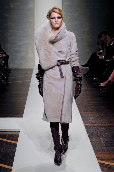 Product, Outerwear, Fashion show, Fashion model, Style, Runway, Knee, Street fashion, Knee-high boot, Fashion,