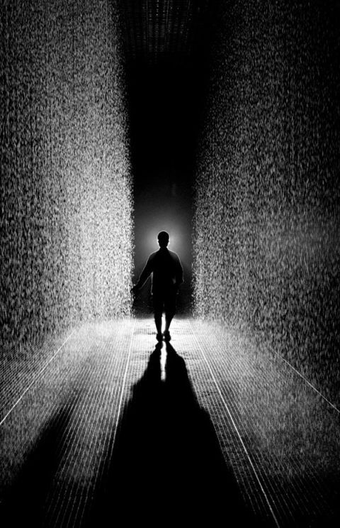 Monochrome, Standing, Monochrome photography, Darkness, Black-and-white, Light, Backlighting, Silhouette, Tints and shades, Shadow,