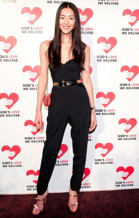 Clothing, Leg, Red, Shoe, Pattern, Style, Waist, Logo, Beauty, Heart,