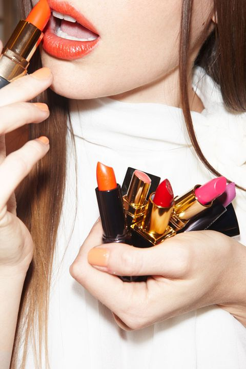 Finger, Hand, Nail, Style, Beauty, Lipstick, Brass, Personal grooming, Cosmetics, Eye liner,