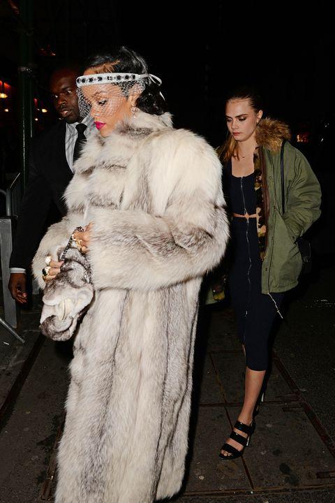 Textile, Fur clothing, Natural material, Headgear, Animal product, Fashion, Street fashion, Costume design, Jewellery, Fur,