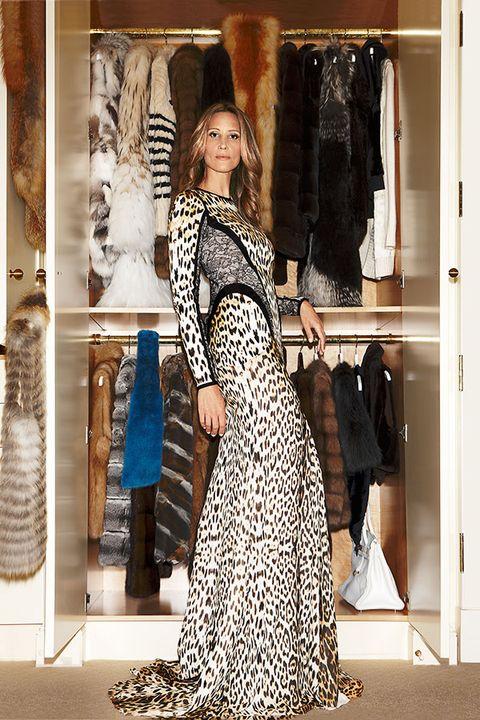 Dress, Style, Formal wear, One-piece garment, Fashion, Street fashion, Pattern, Vintage clothing, Gown, Day dress,