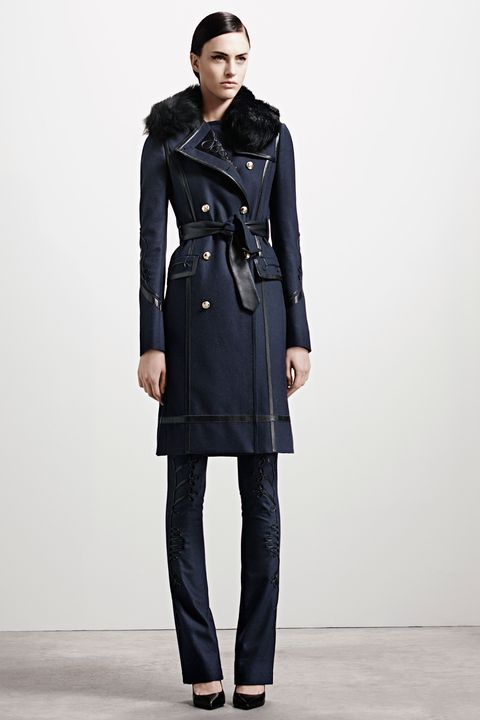 Clothing, Sleeve, Collar, Shoulder, Textile, Coat, Joint, Standing, Outerwear, Style,