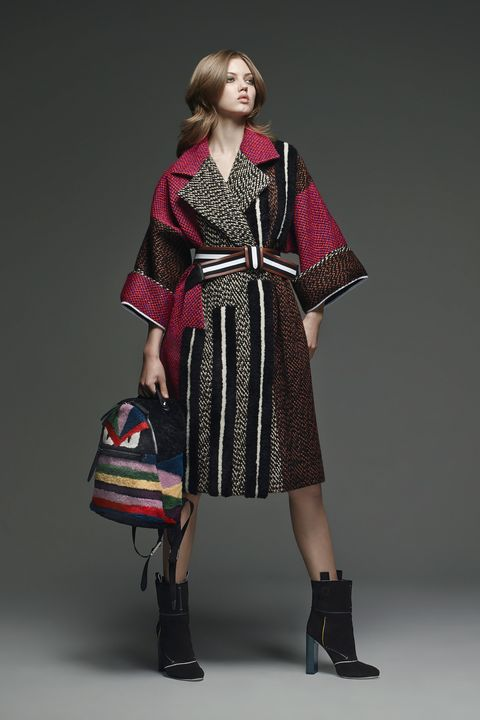 Clothing, Sleeve, Shoulder, Textile, Joint, Outerwear, Dress, Style, Pattern, Bag,