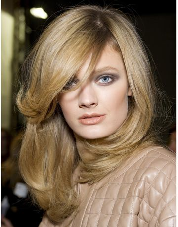 Runway Blowout Tips - Hairstylist Steps for Home Blowout