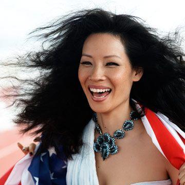 lucy liu wears the american flag