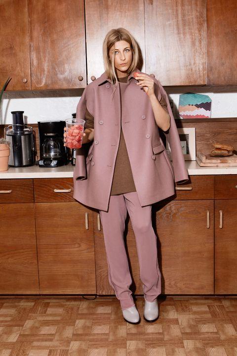 Sleeve, Coat, Collar, Outerwear, Cabinetry, Overcoat, Jacket, Kitchen, Beige, Bag,