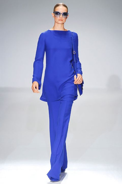 Eyewear, Blue, Sleeve, Shoulder, Standing, Joint, Fashion show, Style, Sunglasses, Electric blue,