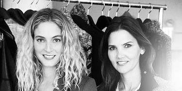 Outerwear, Style, Blazer, Fashion, Beauty, Monochrome photography, Black-and-white, Monochrome, Long hair, Thigh,