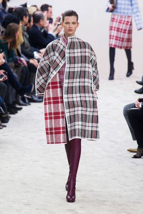Clothing, Footwear, Leg, Sleeve, Trousers, Pattern, Plaid, Winter, Textile, Outerwear,