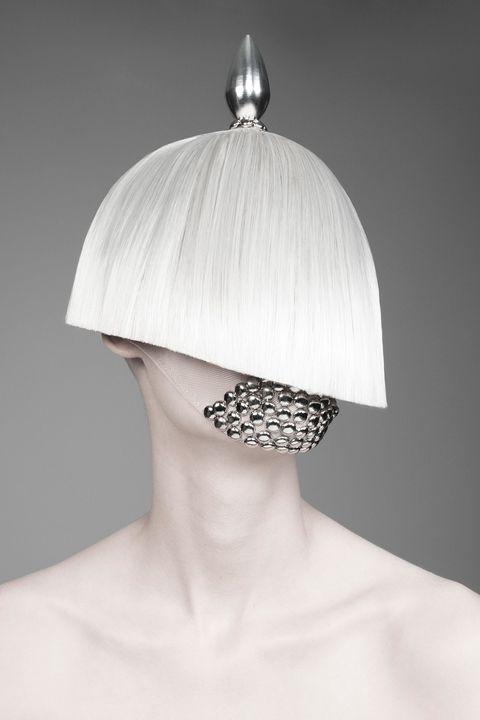 Hairstyle, Style, Bridal accessory, Headgear, Fashion, Eyelash, Hair accessory, Back, Natural material, Silver,