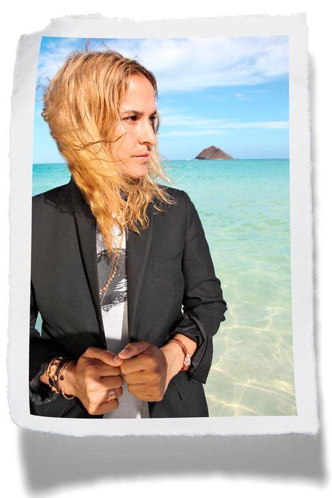 Collar, Blazer, Ocean, Jewellery, Necklace, Blond, Long hair, Portrait, Step cutting, Island,