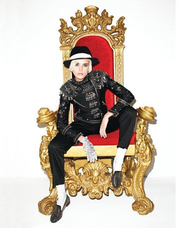 deyn in chair