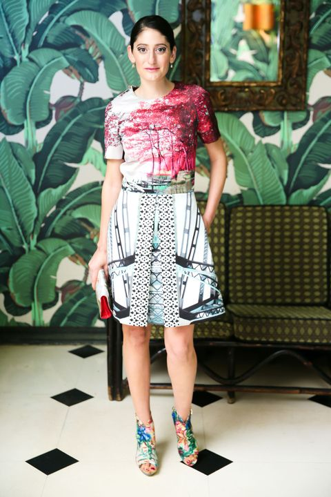 Clothing, Sleeve, Shoulder, Textile, Joint, Style, Waist, Pattern, Fashion accessory, Fashion,