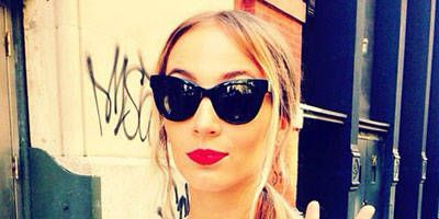 Eyewear, Vision care, Glasses, Sunglasses, Style, Street fashion, Fashion accessory, Fashion, Orange, Bag,