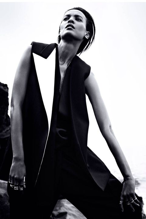 Shoulder, Collar, Formal wear, Style, Elbow, Monochrome photography, Monochrome, Neck, Black-and-white, Black,