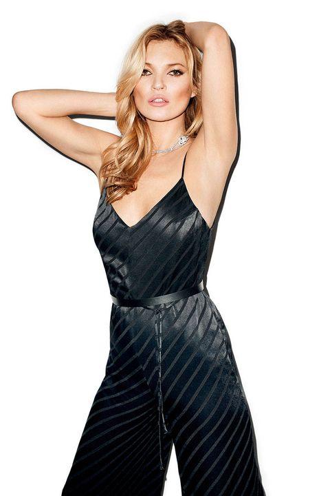Finger, Sleeve, Shoulder, Standing, Joint, Waist, Elbow, Dress, Fashion model, Fashion,