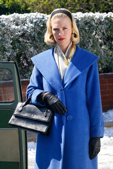 Clothing, Sleeve, Collar, Textile, Winter, Outerwear, Street fashion, Jacket, Electric blue, Blazer,