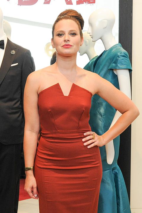 Lip, Hairstyle, Dress, Shoulder, Red, Joint, Outerwear, Style, Formal wear, Waist,
