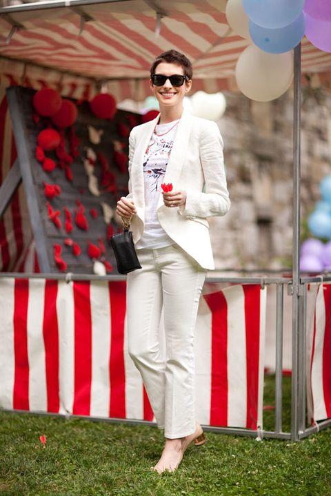Anne Hathaway in Stella McCartney