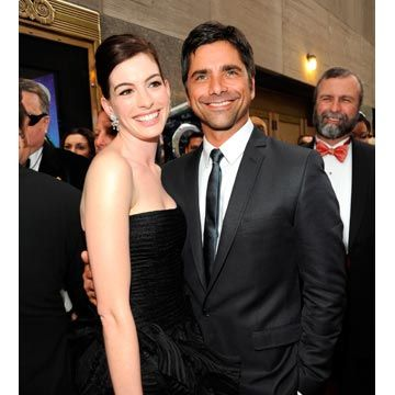 anne hathaway and john stamos