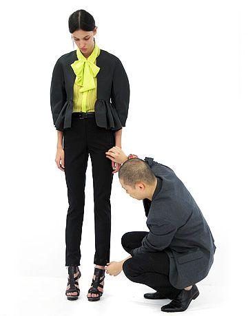 Footwear, Leg, Sleeve, Trousers, Collar, Shirt, Jacket, Textile, Standing, Outerwear,