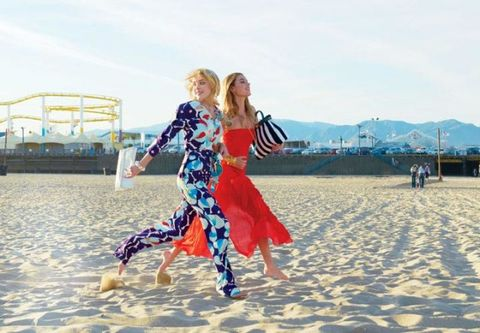 Dress, People in nature, Mountain range, Electric blue, One-piece garment, People on beach, Blond, Waist, Dance, Choreography,