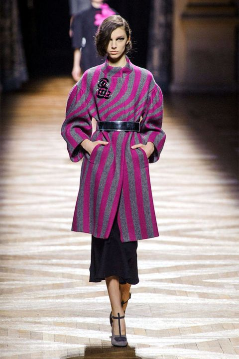 Clothing, Sleeve, Human body, Fashion show, Outerwear, Style, Magenta, Jewellery, Runway, Fashion model,