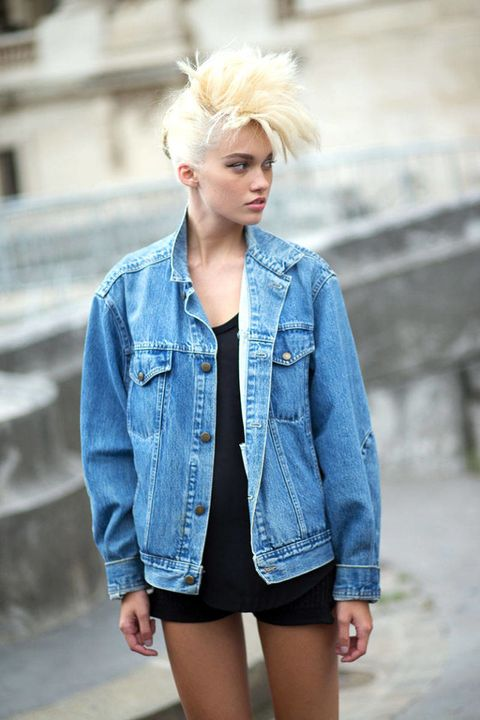 Clothing, Blue, Sleeve, Denim, Shoulder, Textile, Joint, Outerwear, Collar, Style,