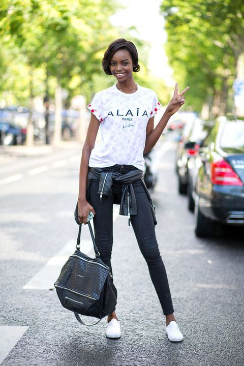 Trousers, Bag, Shirt, Textile, T-shirt, Style, Fashion accessory, Street fashion, Luggage and bags, Denim,