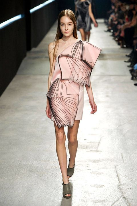 Clothing, Leg, Fashion show, Human leg, Shoulder, Runway, Joint, Fashion model, Style, Waist,