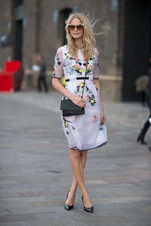 Clothing, Footwear, Eyewear, Shoulder, Joint, Sunglasses, Dress, Human leg, Style, Street fashion,