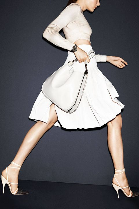 Sleeve, Human leg, Shoulder, Joint, White, Elbow, Waist, Style, Knee, Fashion model,