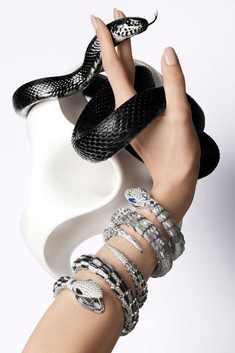 Finger, Wrist, Hand, Joint, Nail, Body jewelry, Fashion, Thumb, Bracelet, Thigh,
