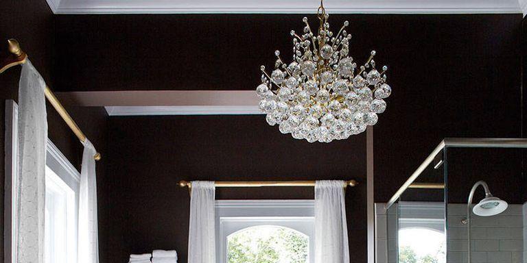 10 Ultra-Glamorous Bathrooms