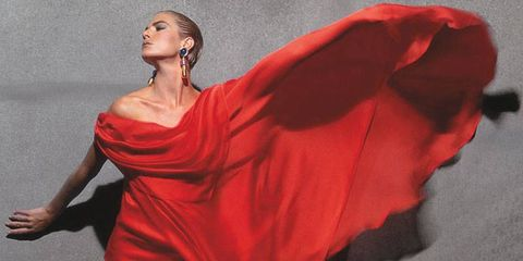 Human body, Shoulder, Red, Joint, One-piece garment, Dancer, Costume, Costume design, Performance art, Fashion model,