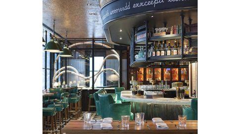 Furniture, Table, Restaurant, Bottle, Barware, Distilled beverage, Drink, Drinking establishment, Alcohol, Alcoholic beverage,