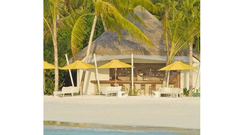Resort, Shade, Thatching, Outdoor furniture, Tints and shades, Arecales, Tropics, Beach, Gazebo, Palm tree,