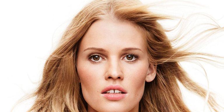 Gap Teeth Chic: 7 Models with Imperfect Smiles