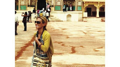 Eyewear, Glasses, Vision care, Sunglasses, Tourism, Street fashion, Goggles, Travel, Temple, Handbag,