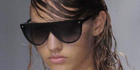 Clothing, Eyewear, Hair, Vision care, Lip, Hairstyle, Shoulder, Style, Sunglasses, Summer,