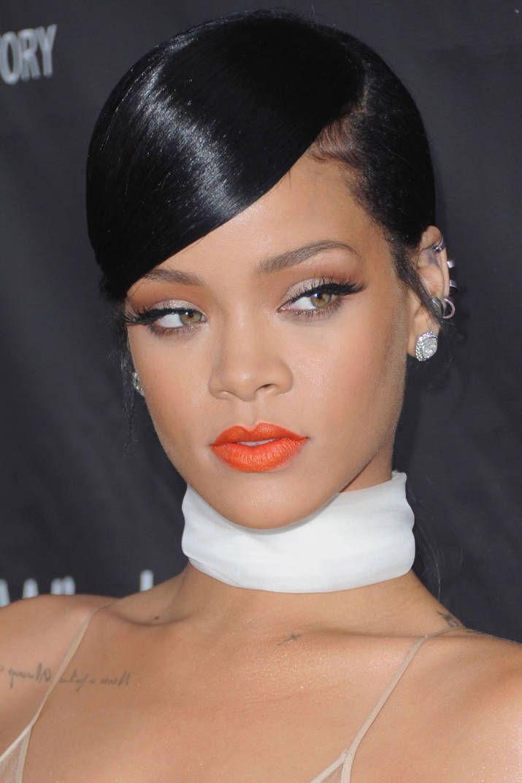 Rihanna Makes Her Instagram Return