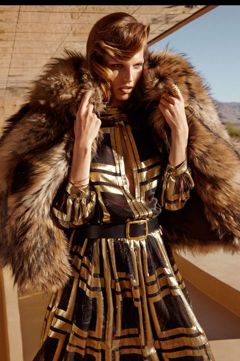 Fur clothing, Textile, Natural material, Jacket, Animal product, Costume design, Fashion, Fashion model, Street fashion, Fur,