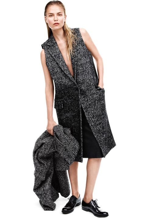 Clothing, Sleeve, Shoulder, Joint, Style, Dress, Pattern, One-piece garment, Fashion, Fashion model,