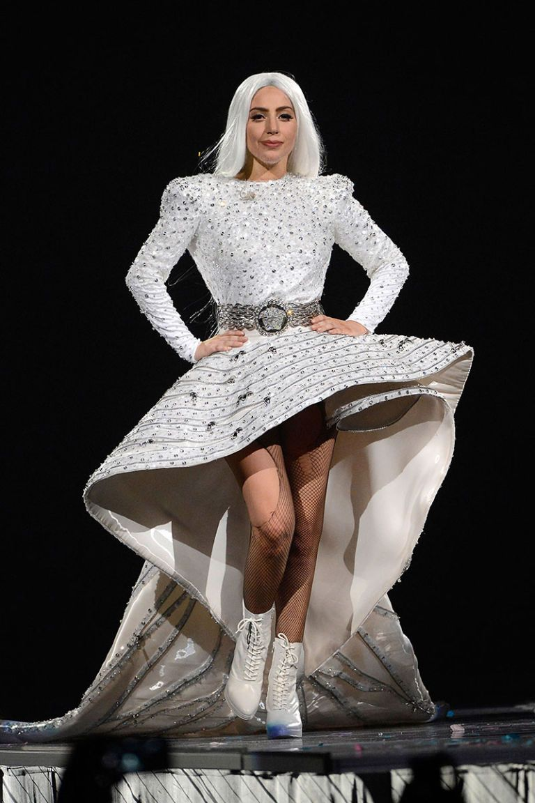 Best Stage Costumes of 2014 , Best Tour Costumes from Beyonce, Lady Gaga,  JLO, \u0026 More