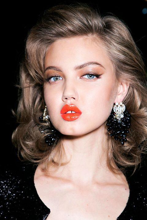 Hair, Ear, Lip, Earrings, Mouth, Hairstyle, Chin, Forehead, Eyebrow, Eyelash,