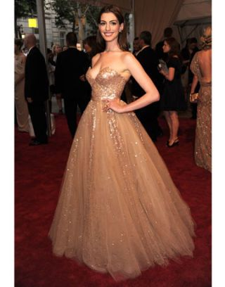 Anne Hathaway Red Carpet Pictures - Red Carpet Photos of Anne Hathaway
