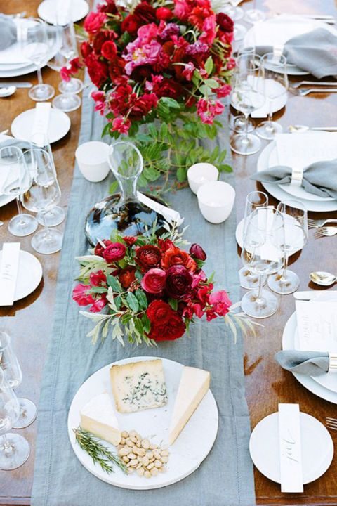 Dishware, Serveware, Tablecloth, Stemware, Glass, Bouquet, Petal, Drinkware, Table, Tableware,