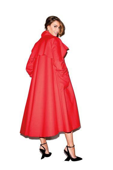 Sleeve, Standing, Collar, Formal wear, Dress, Fashion, Costume design, One-piece garment, Maroon, Costume,